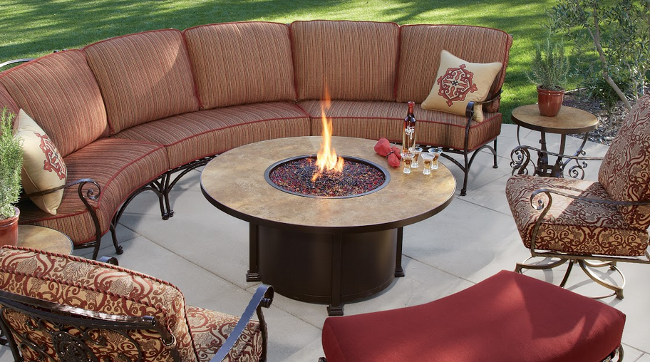 outdoor patio furniture sets Highlands Ranch